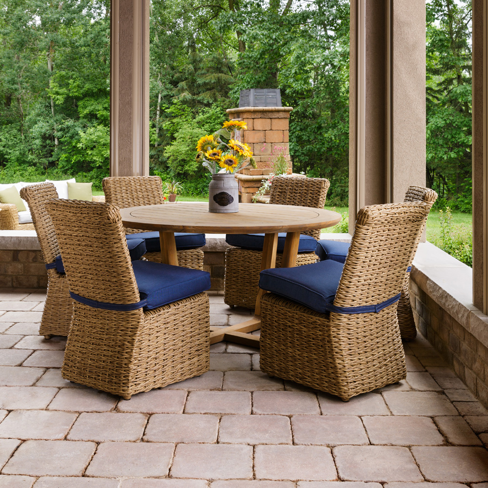 Lloyd Flanders Cayman Wicker Dining Set for 6 with Round Teak Table - LF-CAYMAN-SET3