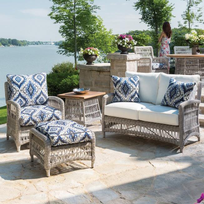 Vinyl Furniture Outdoor: Lloyd Flanders Mackinac Woven Vinyl Wicker Bar Table With