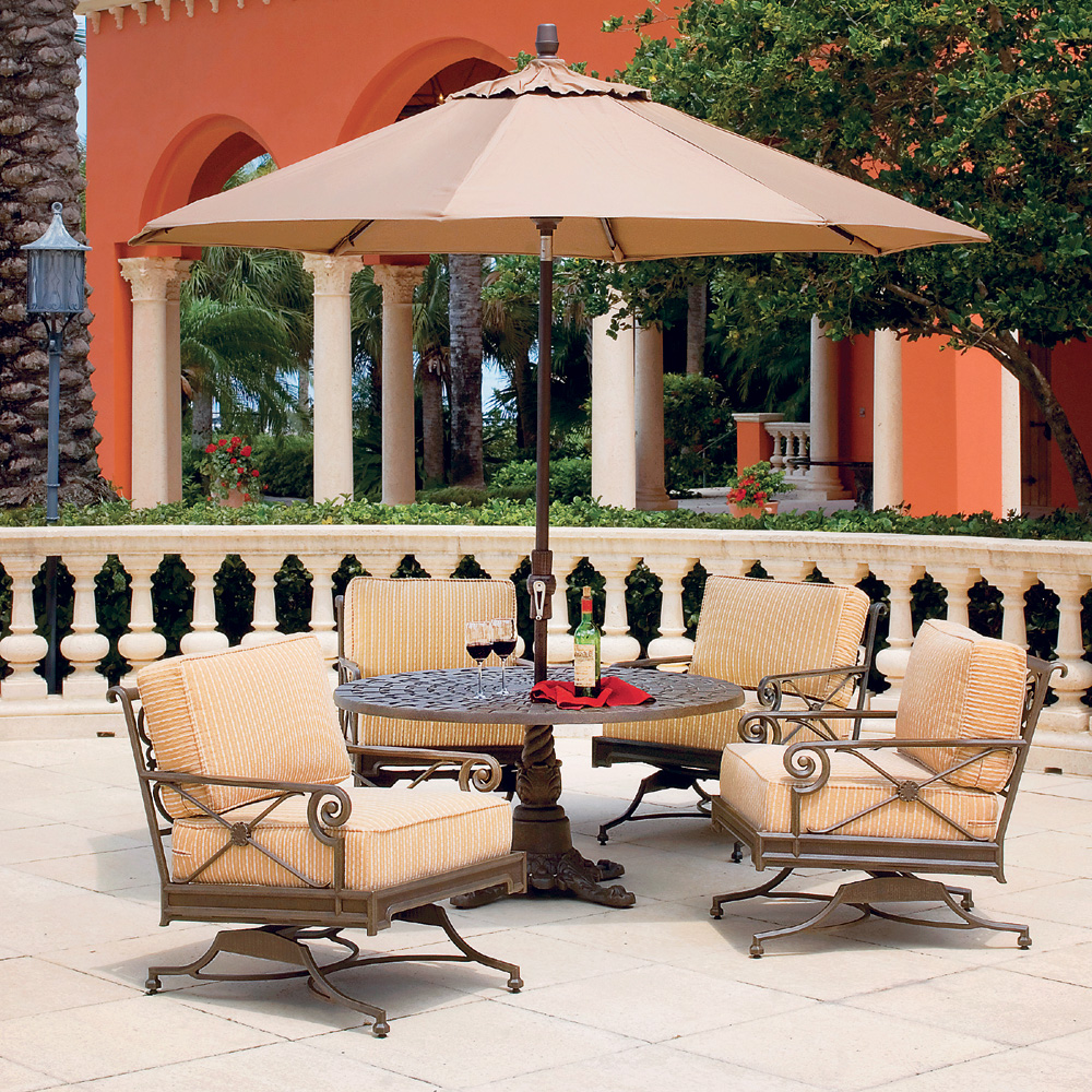 Windham Catalina Spring Club Chair And Pedestal Table Set   WN CATALINA SET1
