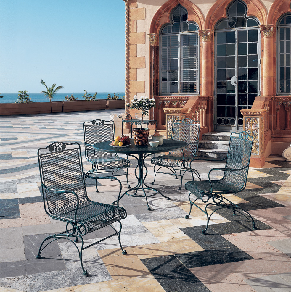 Woodard Briarwood 5 Piece Patio Dining Set - 400066-190137