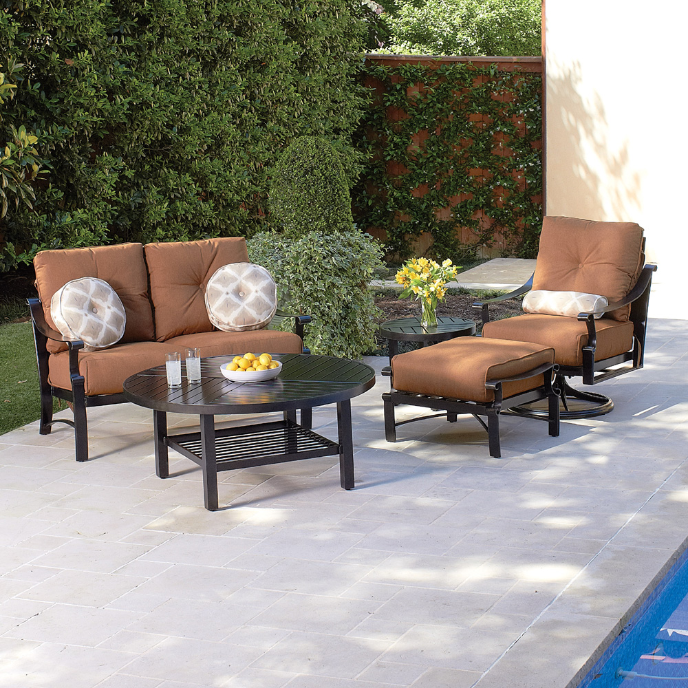 Woodard canaveral modern wicker outdoor lounge set wd for Woodard outdoor furniture