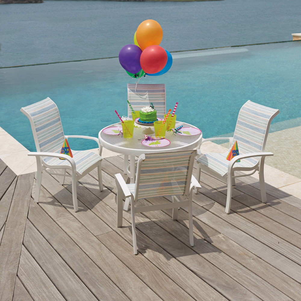 Woodard Toddler Outdoor Dining Set With Four Chairs 6v0067