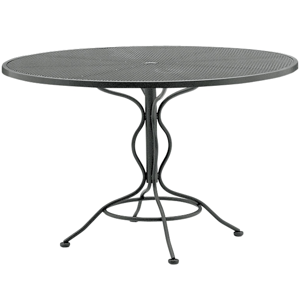 Woodard 48 inch round mesh top umbrella table 190137 for Table 52 botswana