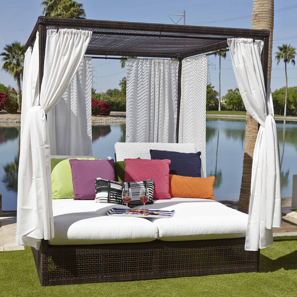 Woodard Montecito Lounge Day Bed with Drapes - S511814