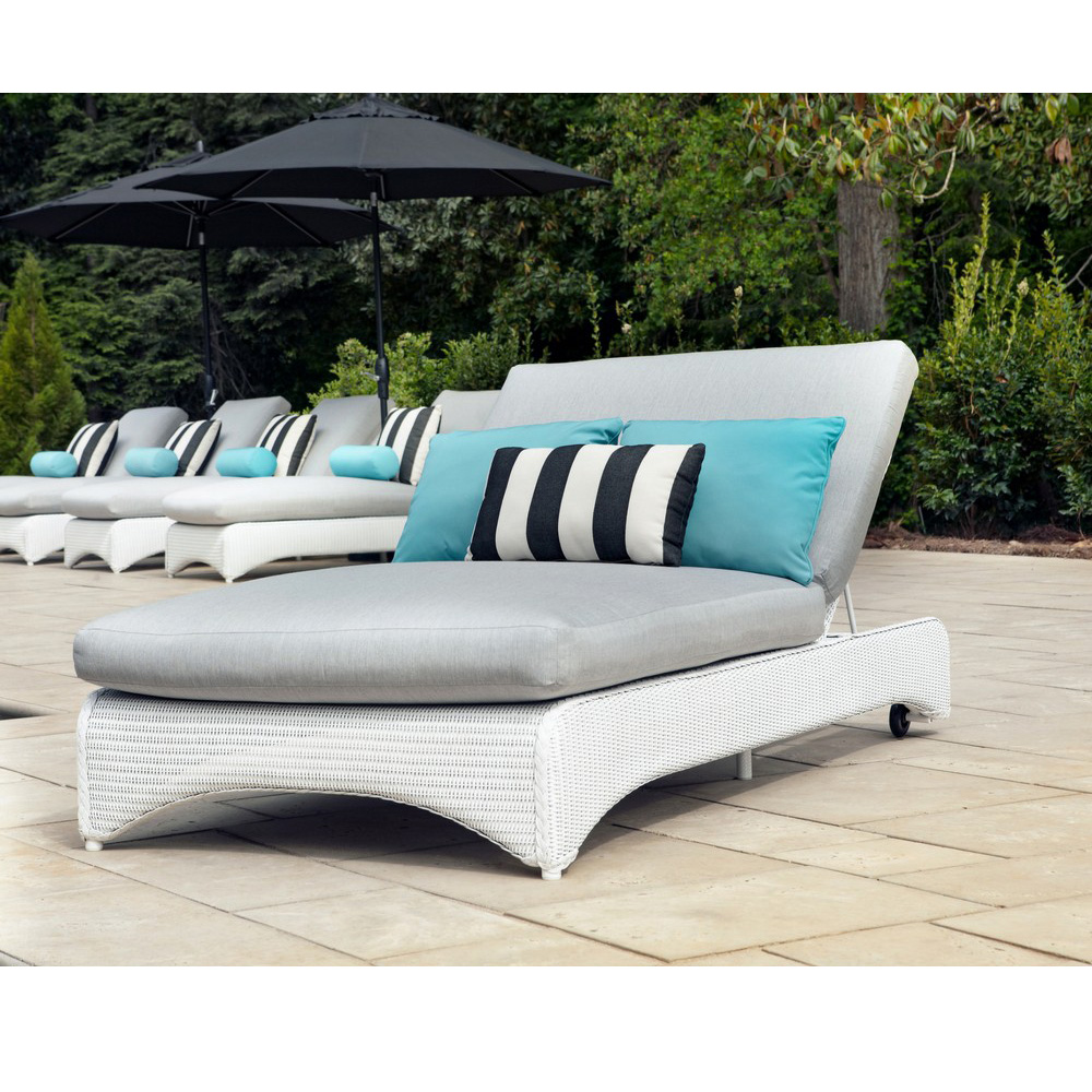 Double Adjustable Wicker Pool Chaise