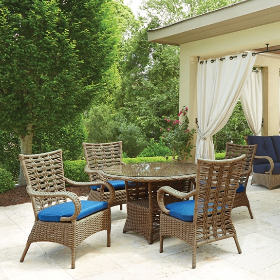 Lloyd Flanders Magnolia Round Outdoor Wicker Dining Set for 4