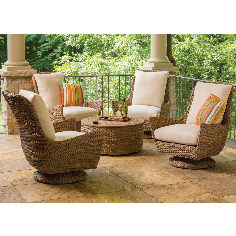 Lloyd Flanders Tobago Hyacinth Wicker High Back Swivel
