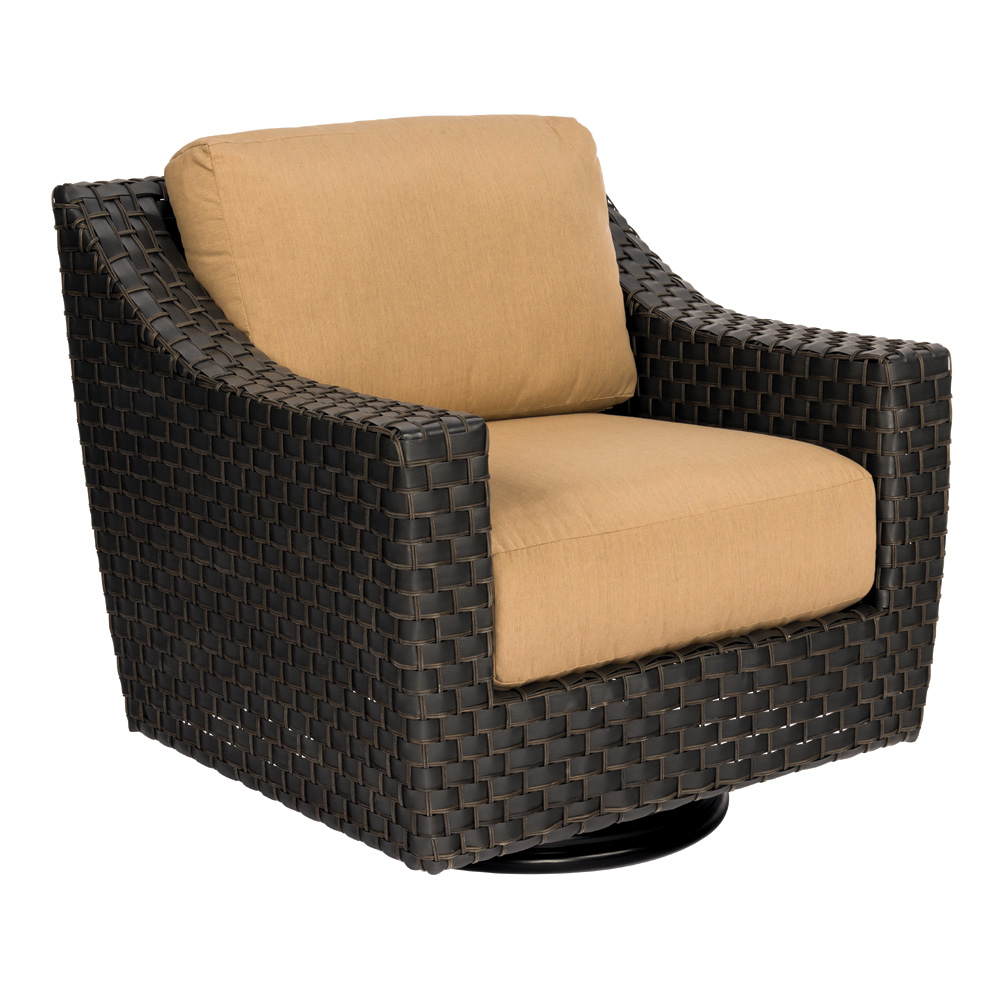 Woodard Cooper Swivel Lounge Chair - S640015