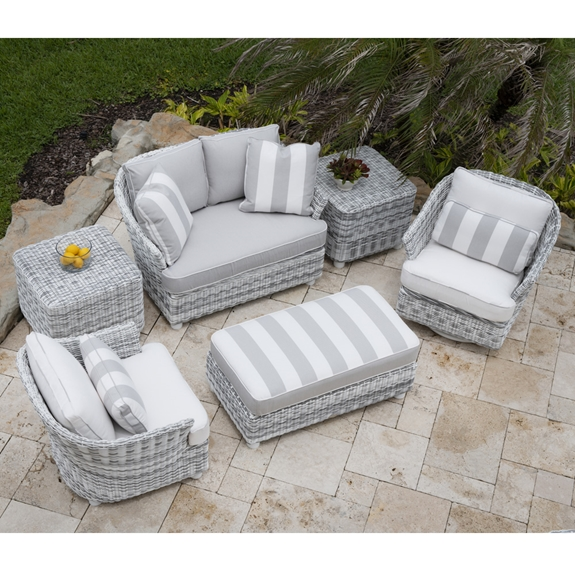 Sonoma Wicker Outdoor Furniture Set